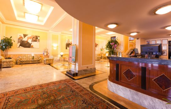 Hall Adi Doria Grand Hotel