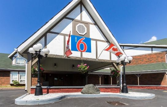 Vista exterior Motel 6 Trenton ON