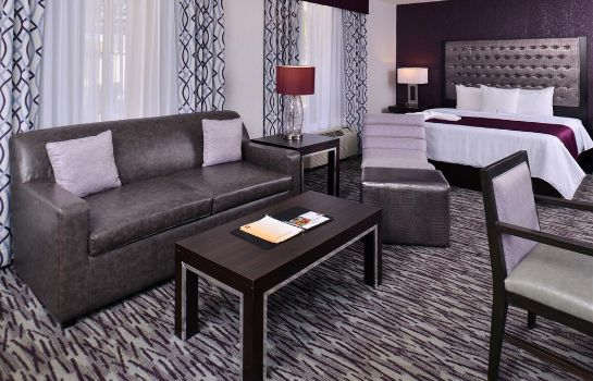Zimmer Clarion Inn and Suites Orlando