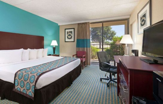 Room HOWARD JOHNSON ARLINGTON
