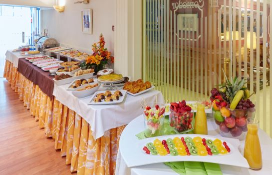 Breakfast buffet Husa Europa