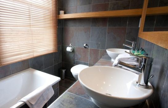 Bathroom New Linden Town House