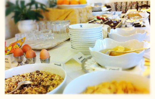 Breakfast buffet Villa Ottoboni