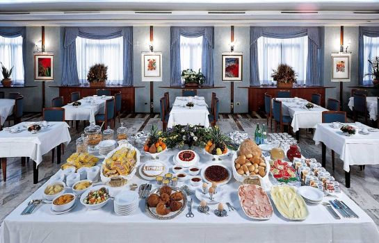 Breakfast buffet Palace Hotel Moderno