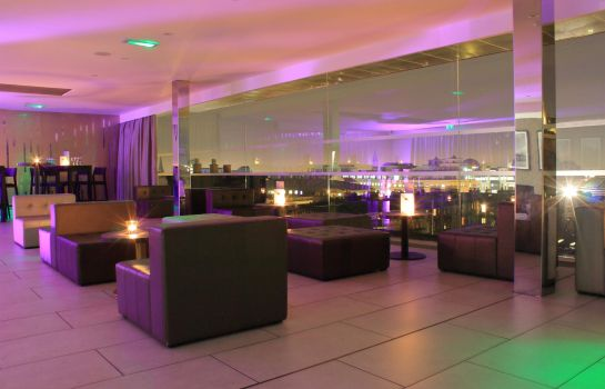 Hotel bar DoubleTree by Hilton Edinburgh City Centre