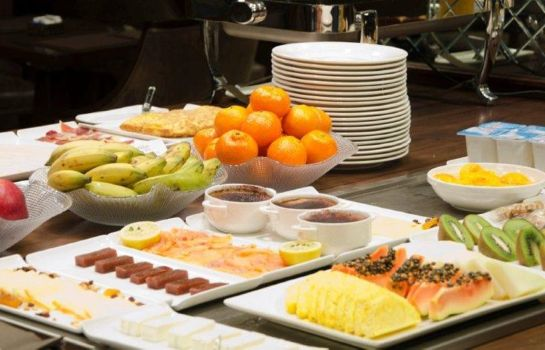 Breakfast buffet Claridge Madrid