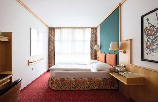 Chambre Living Hotel am Olympiapark by Derag