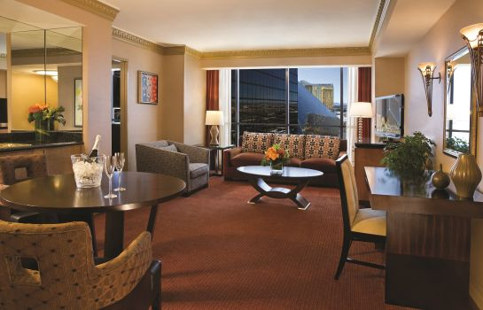 Suite Luxor Hotel and Casino