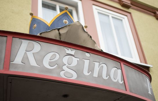 Außenansicht Regina Pension Inhaberin Monique Kluge