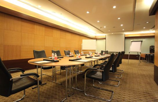 Conference room Regal Shanghai East Asia