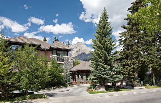 Vista exterior Delta Banff Royal Canadian Lodge Resort