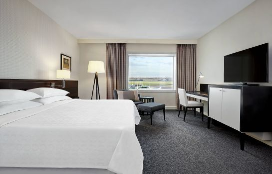 Room Sheraton Amsterdam Airport Hotel and Conference Center