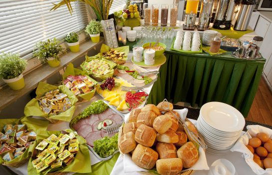 Breakfast buffet Centro Hotel City Gate