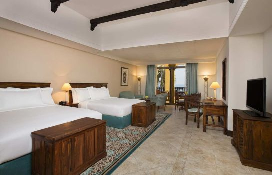 Suite Hilton Al Hamra Beach Golf Resort