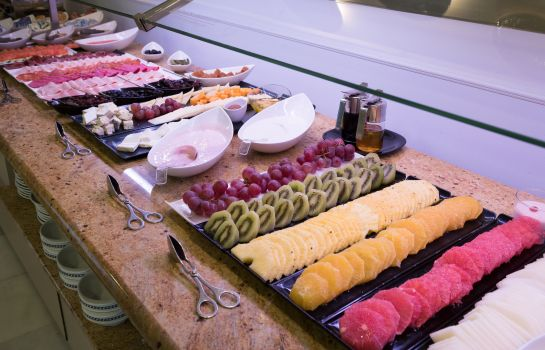 Breakfast buffet Monte Triana