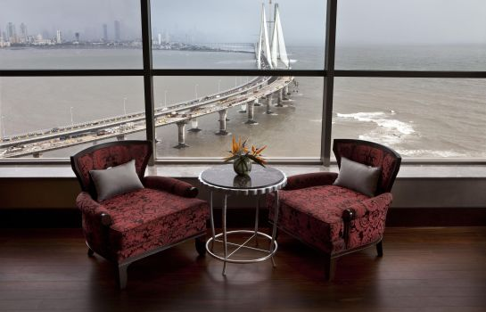 Hotel bar Taj Lands End