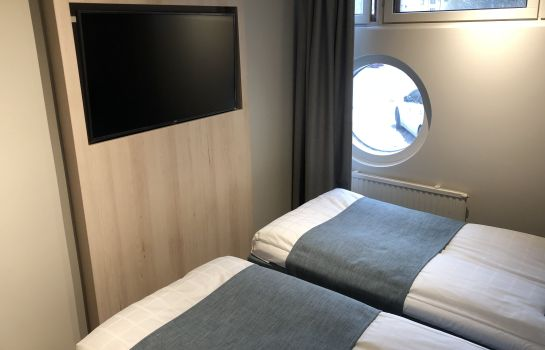 Single room (standard) Airport Hotel Pilotti