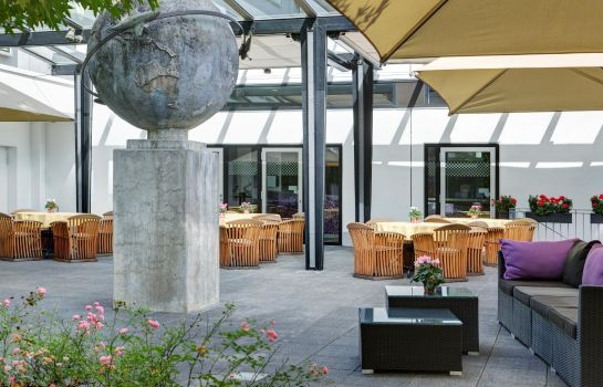 Terrace IntercityHotel Frankfurt Airport