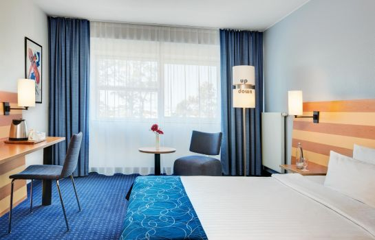 Double room (standard) IntercityHotel Frankfurt Airport