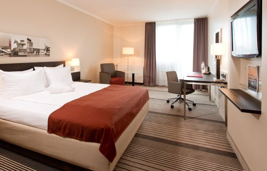 Single room (superior) Leonardo Hotel Hannover Airport