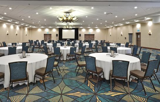 Hotelhalle DoubleTree by Hilton Hotel - Conference Centre Regina