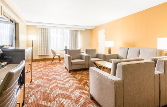 Suite Holiday Inn GREENSBORO AIRPORT