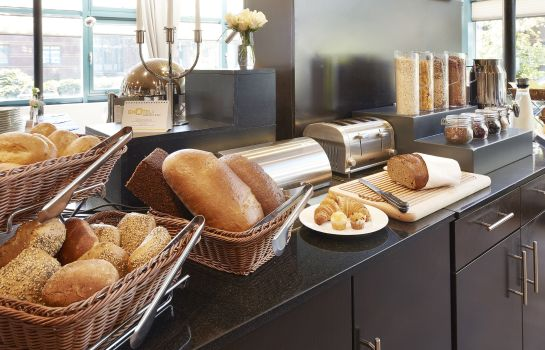 Breakfast buffet GHOTEL hotel & living Hannover