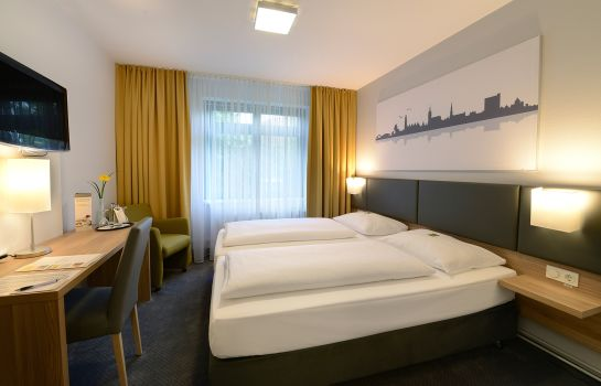 Single room (superior) GHOTEL hotel & living Hannover