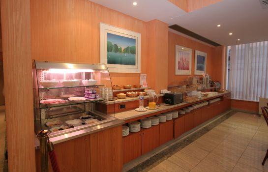 Breakfast buffet Aris Grand Place Hotel
