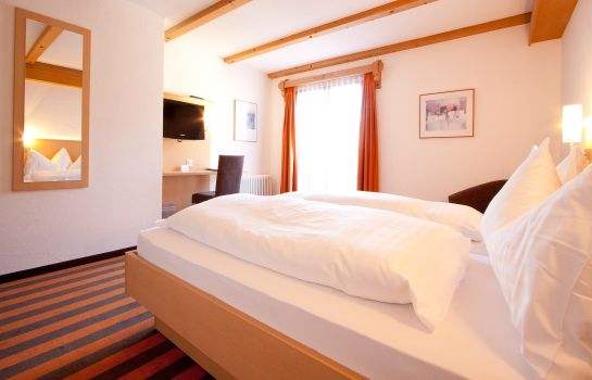 Chambre double (standard) Madrisa Lodge
