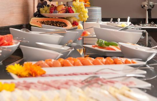 Breakfast buffet SI-SUITES