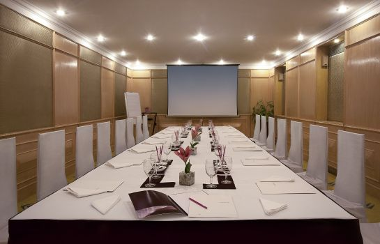 Conference room Vivanta Ambassador New Delhi