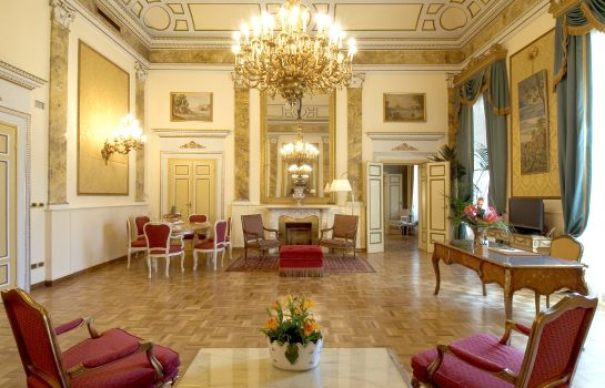 Suite Sina Villa Medici Autograph Collection