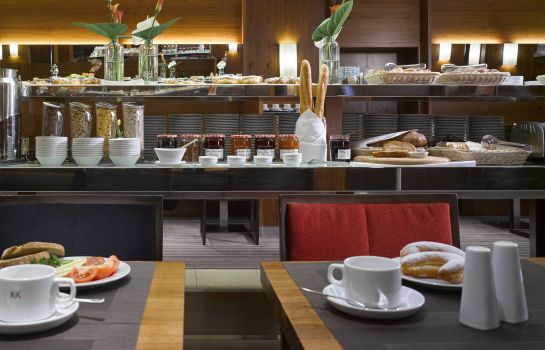 Breakfast buffet K+K Hotel Fenix