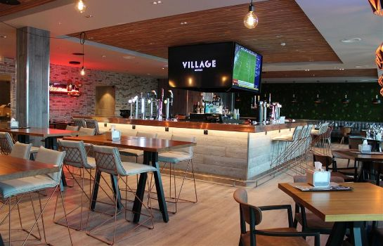 Hotelbar Village Leeds North