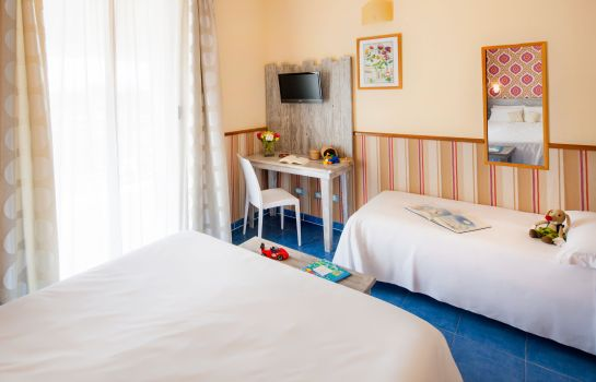 Dreibettzimmer Ostia Antica Park Hotel Meeting Center & SPA