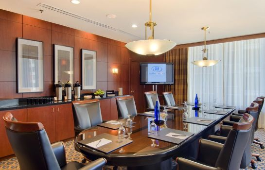 Conference room Hilton Chicago-Magnificent Mile Suites