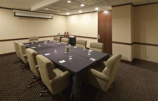 Conference room DoubleTree Suites by Hilton Columbus Downtown