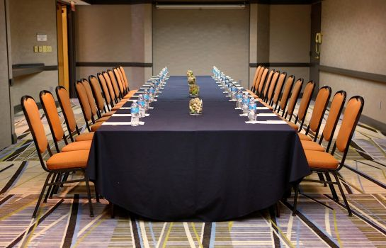 Conference room DoubleTree Suites by Hilton Raleigh - Durham