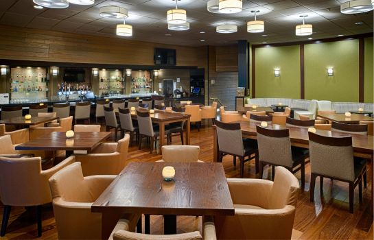 Hotelbar DoubleTree by Hilton Seattle Airport