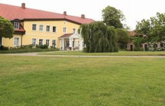 Exterior view Gutshaus Stolpe
