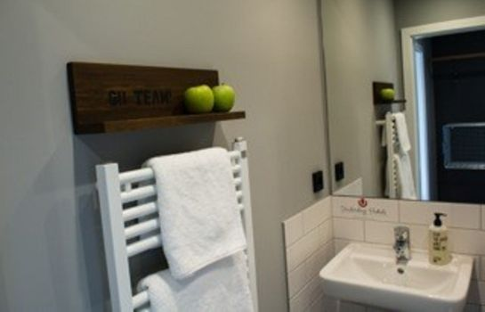 Bathroom Kröger by Underdog Hotels
