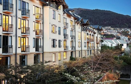 Buitenaanzicht Queenstown - MGallery Collection Hotel St Moritz