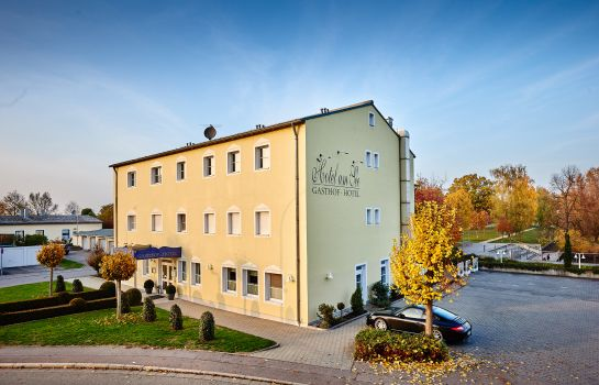Hotel Am See In Neutraubling Hotel De