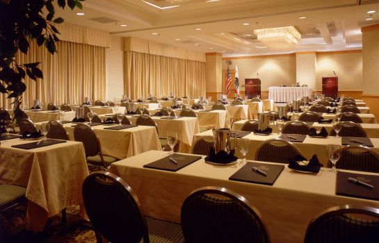 Conference room DoubleTree Suites by Hilton Santa Monica