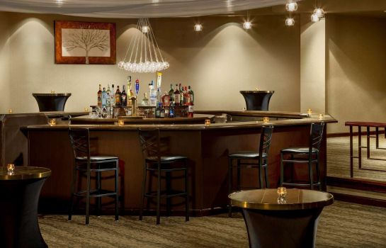 Hotel bar DoubleTree by Hilton Colorado Springs