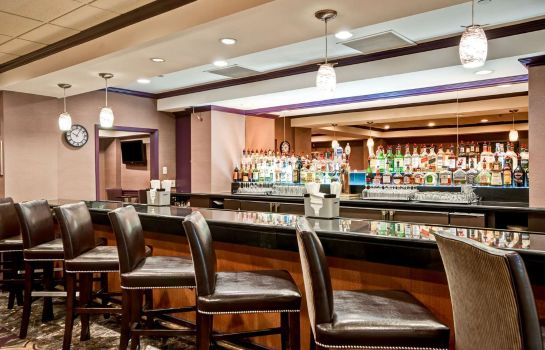 Hotel bar DoubleTree by Hilton Downtown Wilmington - Legal District