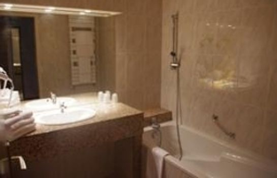 Badezimmer Le Chateau du Clos de la Ribaudiere Chateaux & Hotels Collection