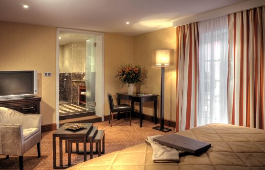 Double room (superior) Hostellerie des Chateaux & Spa