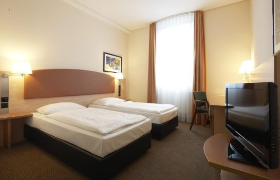 Chambre double (confort) IntercityHotel Ostbahnhof